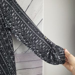 New York & Company Sweaters - NEW YORK & COMPANY | black print cardigan XS